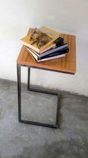 Trifecta muebles: Mesa de arrime hierro y madera. Auxiliar