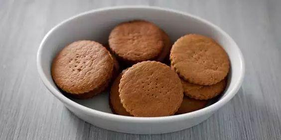 biscotti homemade, tipo digestive biscotti fatti in casa ricette homemade cookies