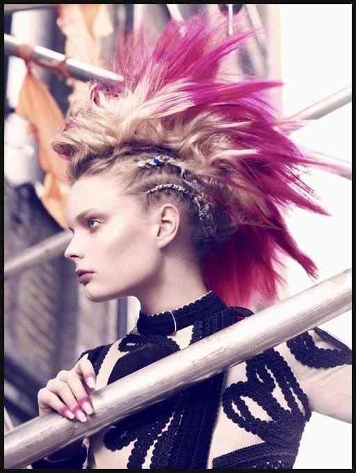 Dazed Dazed And Confused Fashion Girl Model Mohawk Punk Einfache Frisuren Haar Styling Frisuren Seltsame Frisuren