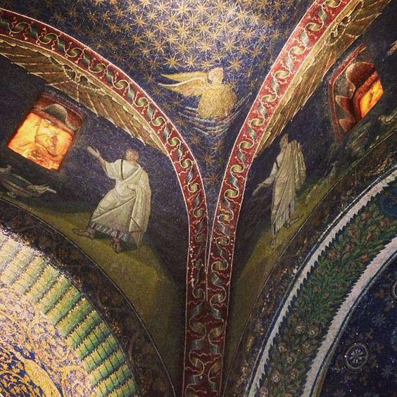 Mosaiques du Mausolée de Galla Placidia...Wow! #Ravenna - Instagram by @carnetdescapade