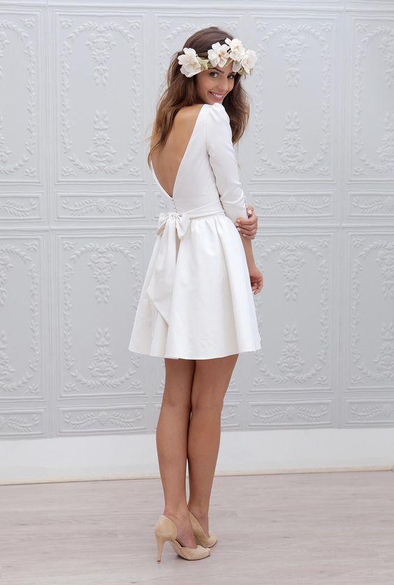 Kate - Collection 2015 de Marie Laporte  Robe de mariée courte en taffetas ottoman de soie * Jaimemarobe.com * Votre robe de mariée est précieuse. Pour qu'elle reste aussi belle que dans vos souvenirs, préservez-la dans nos coffrets d'exception inspirés des techniques muséales.