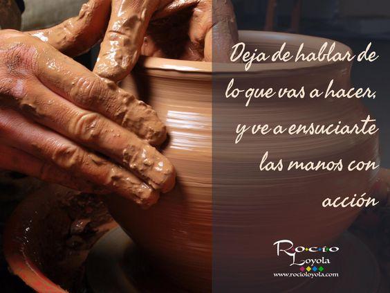 Todo sueño requiere acción para convertirse en realidad. Deja de hablar de lo que vas a hacer y comienza a hacerlo. #rocioloyola