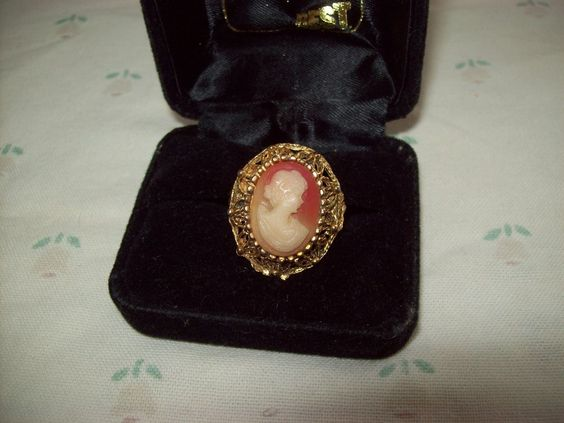Goldtone Celludoid Adjustable Cameo Ring No Ring Box
