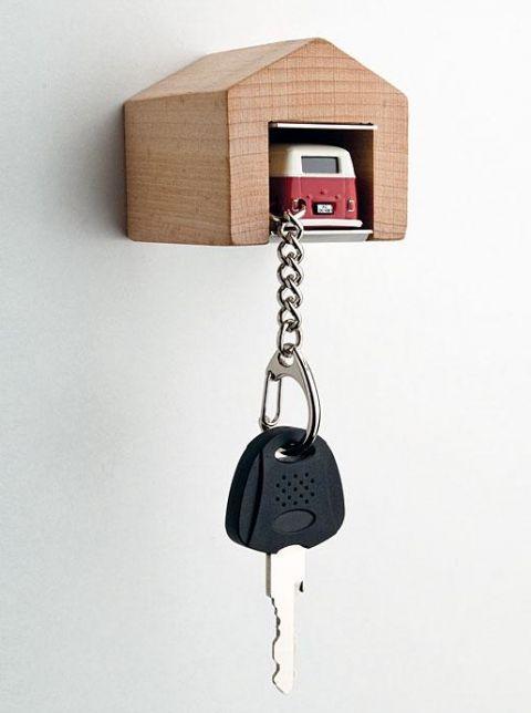 VW Bus Keychain with Garage - cute key keeping