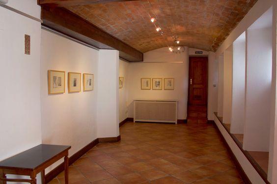 """Exposición """"Había una casa"""", de Antonio Gomez, en la """"Sala Aljibe"""" del """"Carmen de la Victoria""""."""