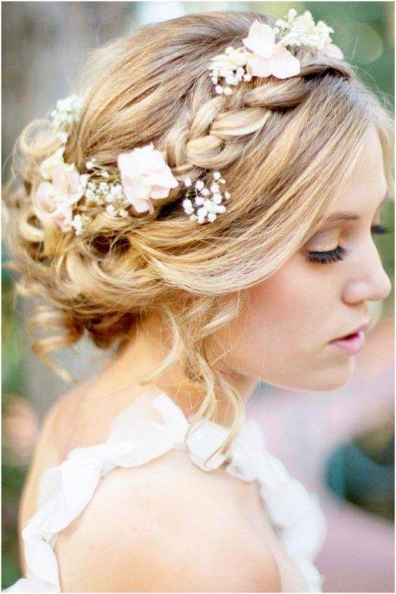 Beautiful wedding hair updo #Hairstyle #Wedding #Flowers