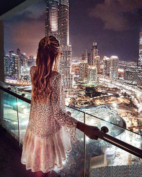 Взгляд на ночной Дубай глазами Леони Ханне