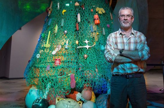 Christmas Tree Made Of Ocean Trash Turns Heads At Vancouver Aquarium Vancouver Aquarium Trash Art Marine Debris