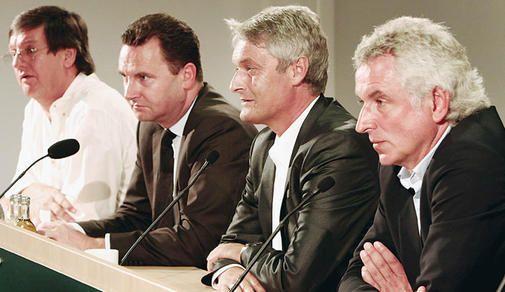 Armin Veh als Nachfolger von Felix Magath präsentiert.
