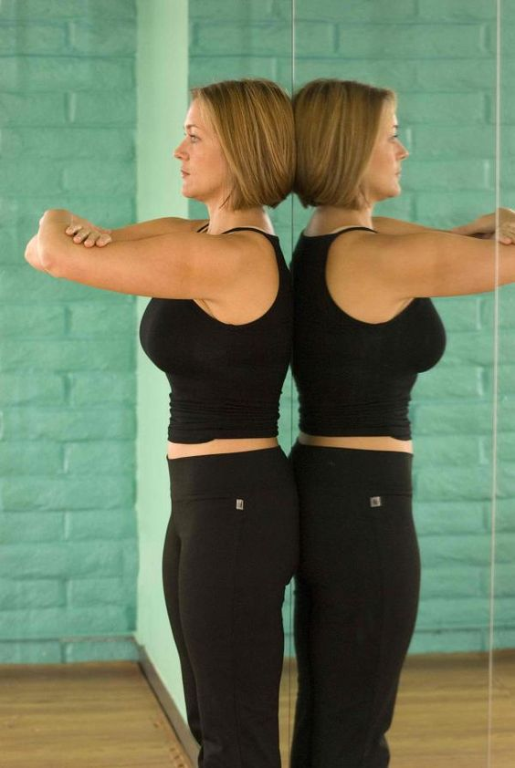 Load Bearing 101: Lessons From Katy Bowman in How to Hold Your Own Weight + check out http://www.katysays.com/advanced-foot-position/