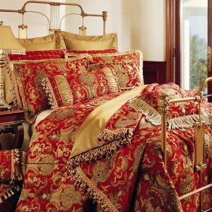 The Sherry Kline China Art bedding collection features a flowing As...
