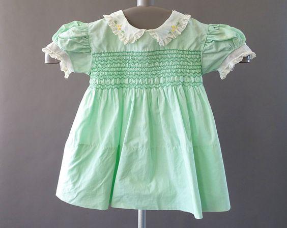40s Baby Girl Little Green Toddler Dress by Alfred Leon. 1940s Handmade. Vintage by CatinasVintage. #40sbaby #vintagegirls #alfredleon