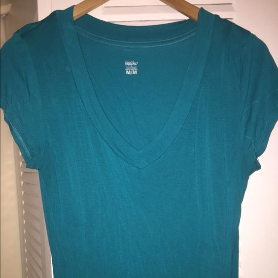 Mossimo women's teal soft vneck tee sz M Mossimo women's teal soft vneck tee sz M. Worn a few times in excellent condition. Purchased from Target. Fast shipping! :) Mossimo Supply Co Tops Tees - Short Sleeve