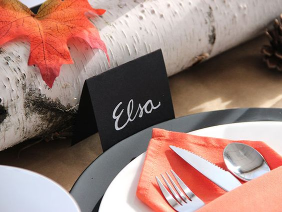 White-on-Black Placecards Look Like Chalkboard >> http://blog.diynetwork.com/maderemade/2013/11/15/quick-and-easy-ideas-to-dress-up-your-thanksgiving-table?soc=pinterest