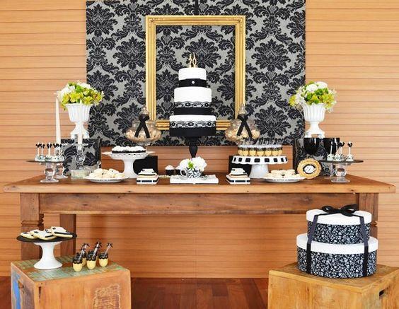 Uma festa que une o vintage ao contemporâneo, composta de muito black&white e com toques de dourado. Decoração de bom gosto, leve e madura, perfeita para um aniversário adulto!: