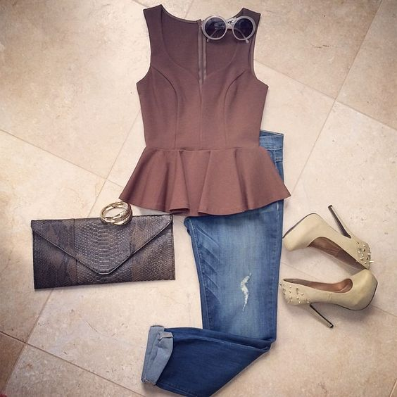Today's #OOTD  The Deets: Peplum V Top in Tan | Distressed Boyfriend Jeans | Snake Envelope Clutch in Brown | Claw Cuff in Gold | Nude Spike Heel | all available on www.JOONISTA.com  #spring #socal #peplum #boyfriendjeans #tan #love #sale #happy #shopjoonista - @Joonista.com- #webstagram
