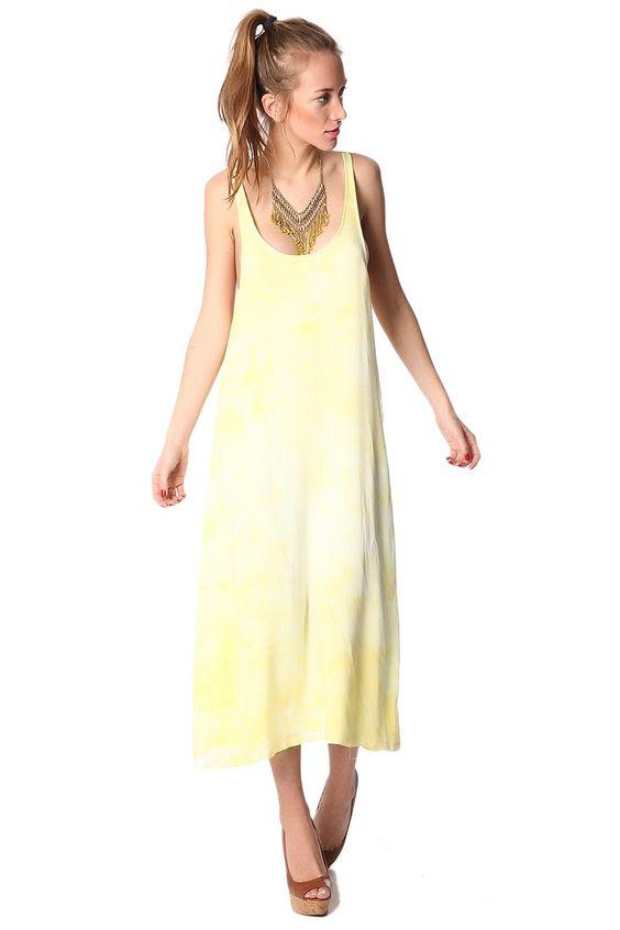 Vestido amarillo con espalda baja y tirantes finos de Q2