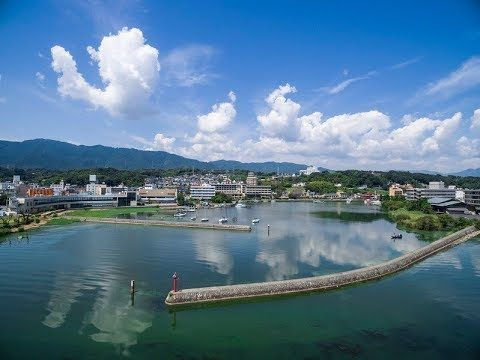 雄琴(おごと)温泉の琵琶湖畔の旅館。おごと温泉の湯が配湯された露天風呂付客室や琵琶湖を見渡すテラスなど与えられた旅の疲れを癒す設計コンセプト、寛ぎの「時」を何より大切に宿泊いただけるよう配慮しています。