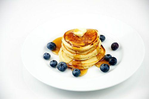 La vraie recette des pancakes américains Astuce: Je rajoute un peu de vinaigre blanc dans le lait au début.