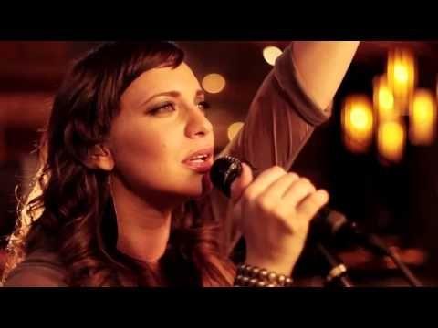 Christine D Clario Gloria En Lo Alto Videos Cristianos Hd Youtube Videos Musicales Cristianos Música Cristiana Gratis Musica Cristiana Descargar