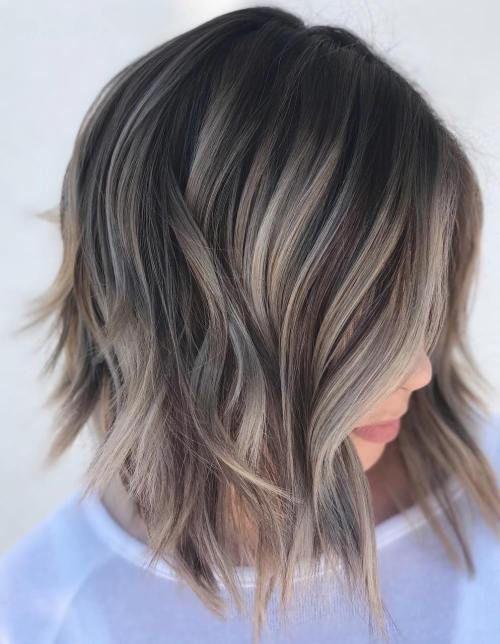 Kurze haare mit silber strahnen