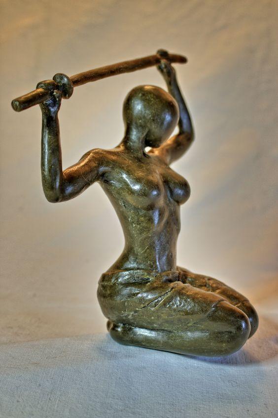 """""""Kriegerin des Lichts"""" Bronzeskulptur"""