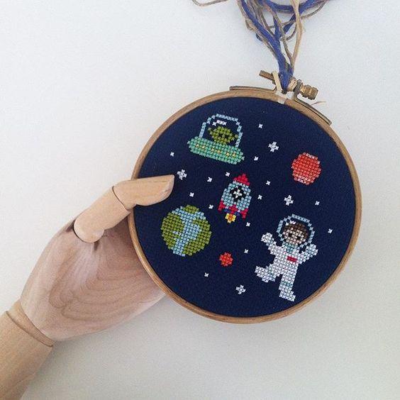 ⭐️⭐️⭐️⭐️⭐️ siparis ve bilgi icin✉️buy.badadesign@gmail.com  #space #uzay #astronaut  #mars #carpiisi #kanaviçe #etamin  #xstitch #stitch #crossstitch #crossstitching  #handmade #handcraft #needlework #kisiyeozel #alışveriş #özeltasarım #tasarım #design #embroidery #handembroidery #cute #bebek #baby #babygift #bebekhediyesi #hoopart #craft #kasnakpano #hoop