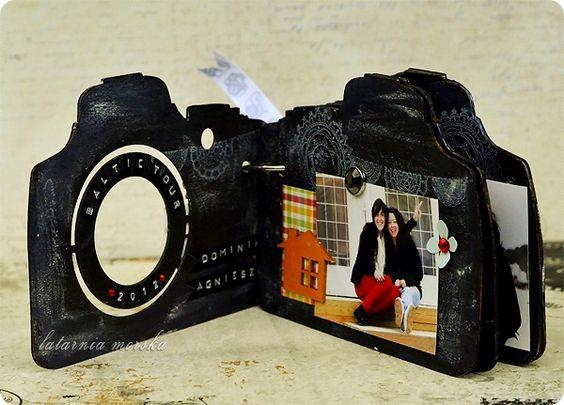 Camera mini album scrapbookingmatters pinterest for Regalo camera