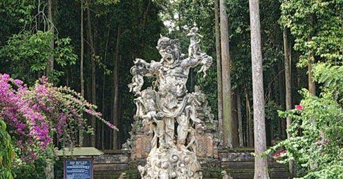 15 Pemandangan Indah Di Pulau Bali Objek Liburan Wisata Alam Sangeh Di Pulau Bali Harga Murah Download Gambar Pemandangan Alam Bat Di 2020 Pemandangan Pulau Bali