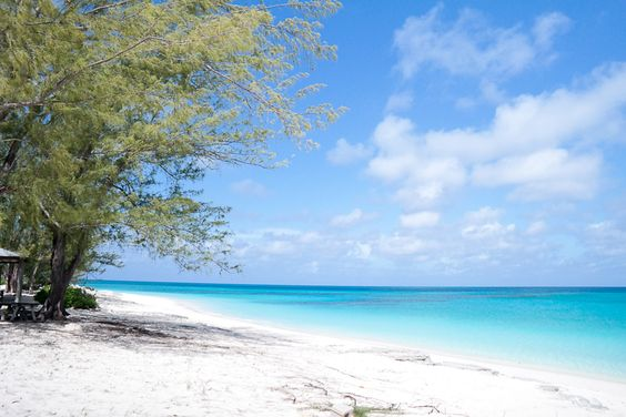 Colombus Island, Bahamas by @Cachemire & Soie