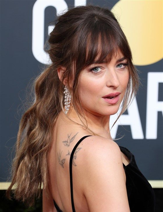 See The Best Hairstyles From The Golden Globes Red Carpet Cool Hairstyles Oscar Hairstyles Red Carpet Hair