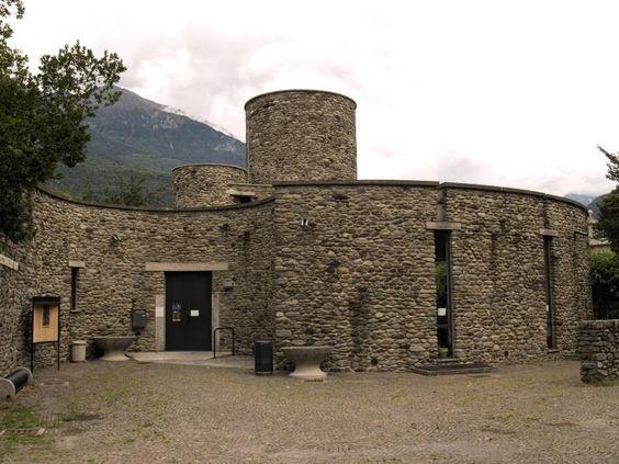 Front view of Biblioteca civica Ezio Vanoni, Morbegno by Luigi Caccia Dominioni