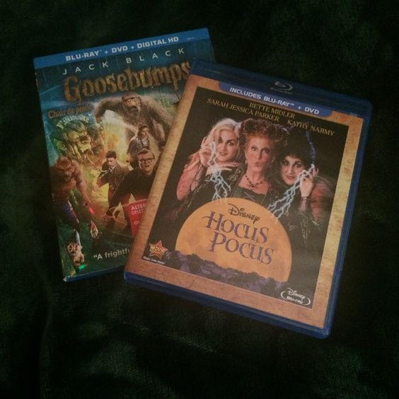 Forever young at heart ☺️ Hocus Pocus & Goosebumps