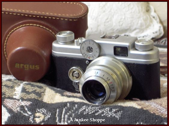 ARGUS C Four (C4) 35mm Rangefinder Camera 1951 thru 57 Photograph Photo Vintage  HP 1681  http://ajunkeeshoppe.blogspot.com/
