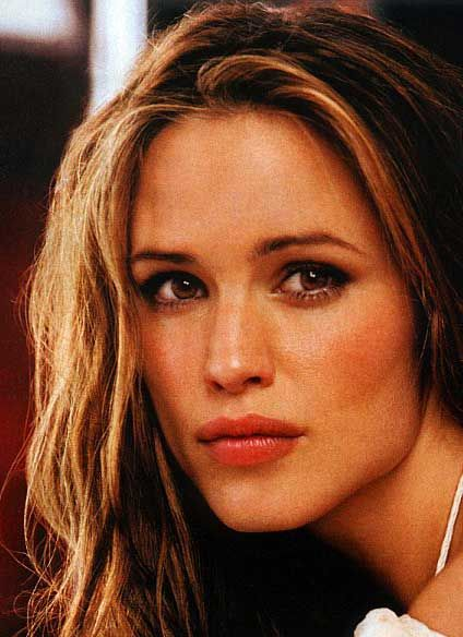 The Jennifer Garner workout combines cardio, weights, and even something called the Valslide.