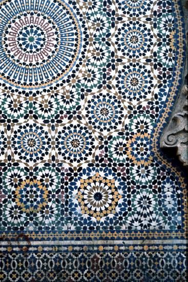 Moroccan tile-print pattern- perfect on a shirt or a-line skirt to add dimension to a look More: