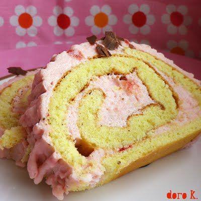 Erdbeersahnerolle #Biskuit #Kuchen #Erdbeeren #Biskuitrolle
