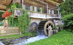 Wasserrad an einer Mühle der Stadt Hornberg
