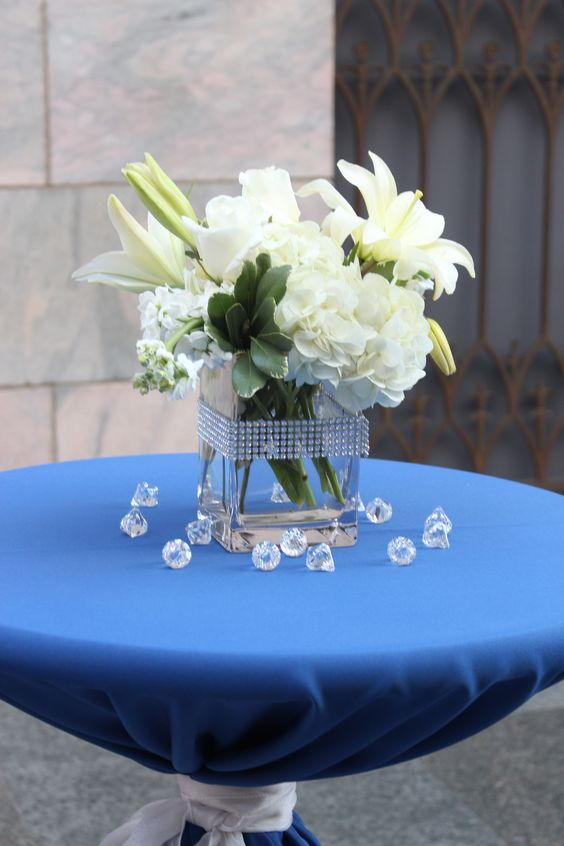 Denim and diamonds party at the joslyn art museum for Denim centerpieces