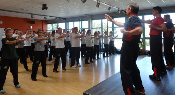 SGU Wing Tsun Kampfkunstschule Grevenbroich  • EFFEKTIVE SELBSTVERTEIDIUNG - Jetzt zum kostenlosen Probetraining anmelden!  www.kampfkunstschule.com Tel.: 01637778881