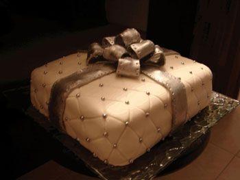 g teau anniversaire 40 ans original cake design pinterest. Black Bedroom Furniture Sets. Home Design Ideas