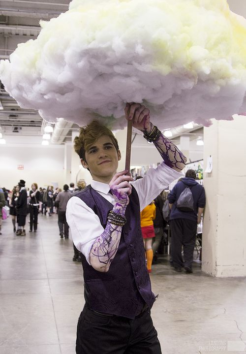 Welcome to Night Vale/ Cecil cosplay.  That glow cloud is so NEAT!