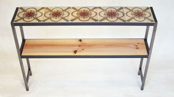 Mesa de baldosas recuperadas, hierro y madera · A Manivela – Mobles moderns amb materials antics » recibidor_hall