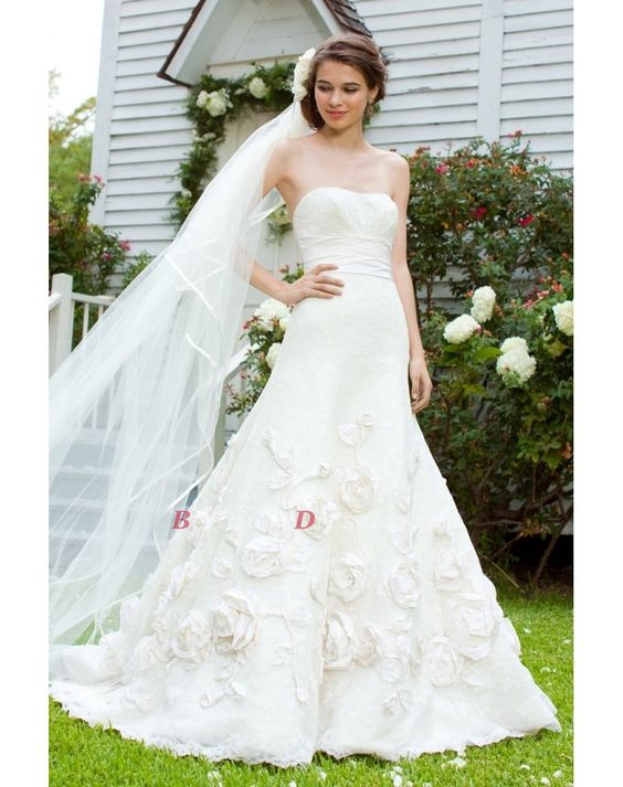 We are providing High Quality wedding dress, Low Price Wedding Dress..