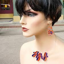 Resultado imagem para jóias de couro reciclado a partir de Argentina