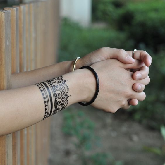 Henna Style Bracelet Temporary Tattoo Sticker