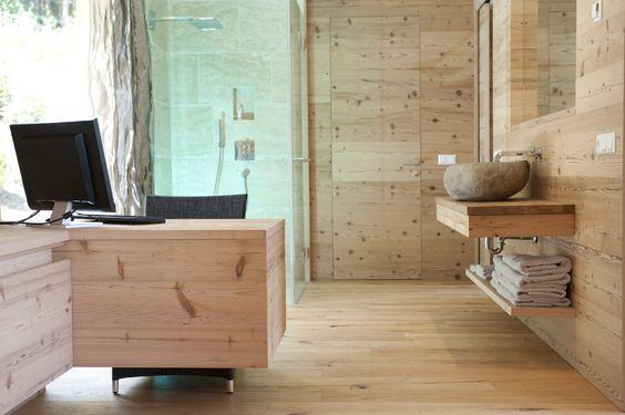 Arbeitszimmer/Büro aus Naturmaterialien von Superior Wohnen am Millstätter See, Austria
