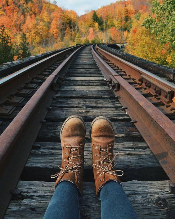 15 Fall Photoshoot Ideas To Get Some Serious Inspo Autumn