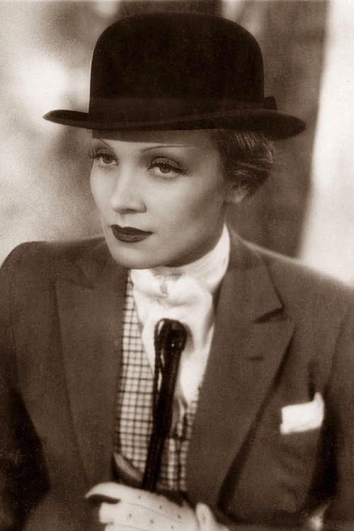 Marlene Dietrich - c.1933 - @~ Mlle http://media-cache-ec3.pinterest.com/736x/32/0a/b6/320ab65799cbf1317d96a0ca6dce35a8.jpg: