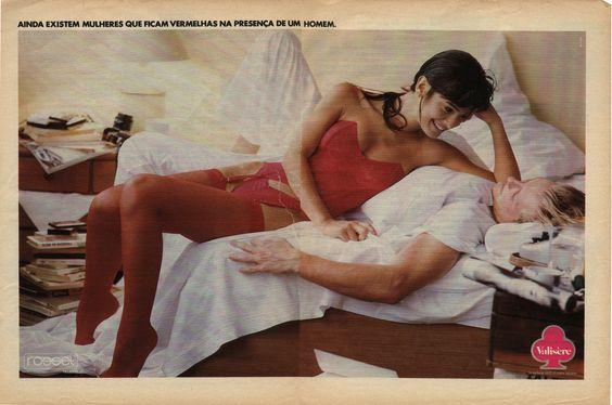 """""""Ainda existem mulheres que ficam vermelhas na presença de um homem"""".  Revista Nova, 1989."""